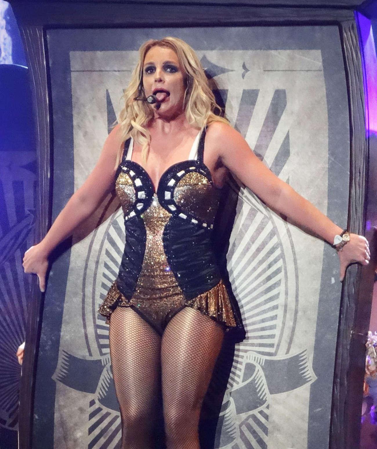 Britney Spears новые клипы и песни 2017 - слушать и