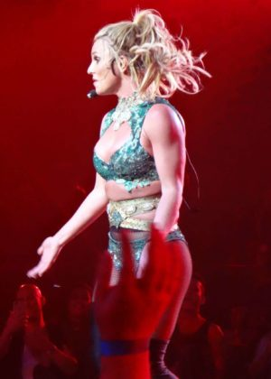 Britney Spears - Performs at Planet Hollywood in Las Vegas