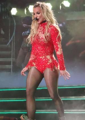 Britney Spears - Performs In Las Vegas