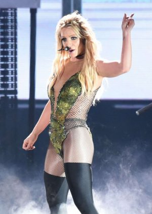 Britney Spears - Performs Live in Taipei