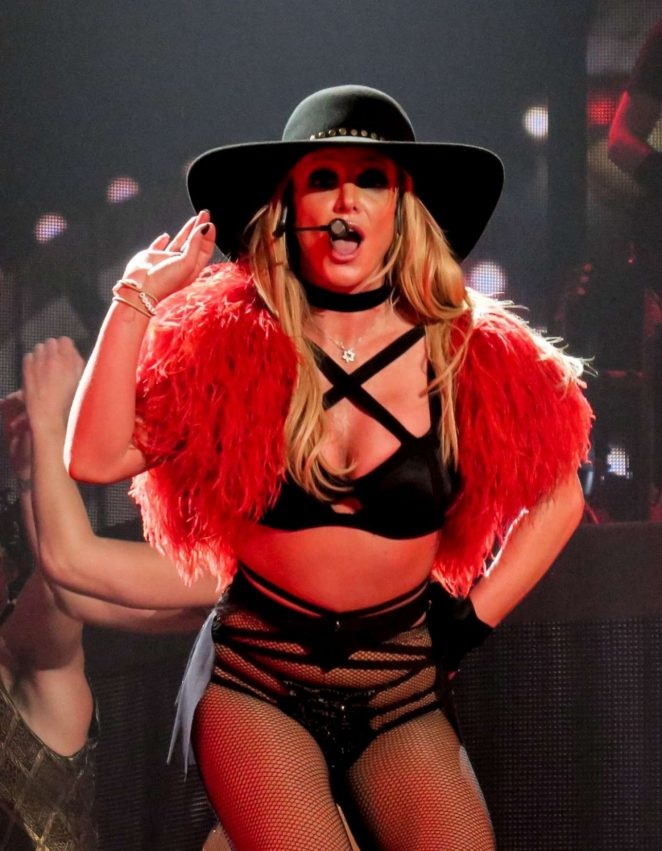 Britney Spears - Performs on NYE at Planet Hollywood in Las Vegas