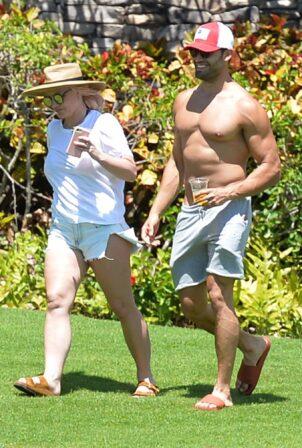 Britney Spears - Seen with boyfriend Sam Asghai in Maui