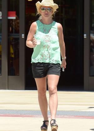 Britney Spears - Shopping in Westlake Village