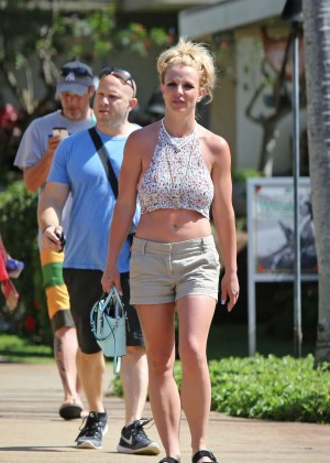 Britney Spears - Shopping on vacation in Hawaii