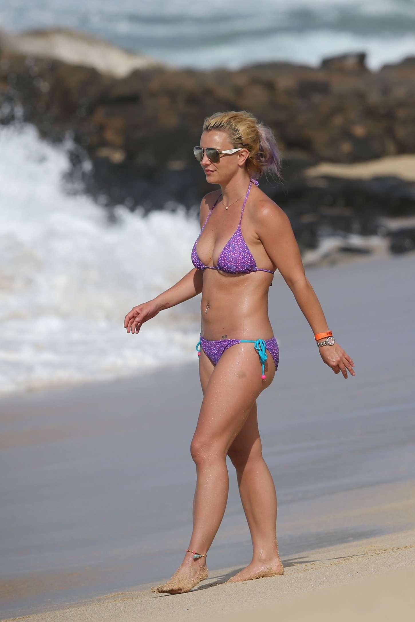 Britney wears a bikini