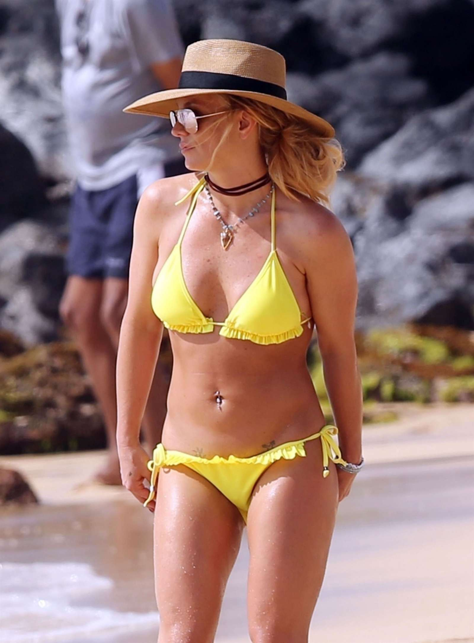 Britney Spears Yellow Bikini Candids in Hawaii