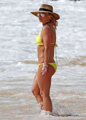 Britney Spears Yellow Bikini Candids in Hawaii Pic 9 of 35