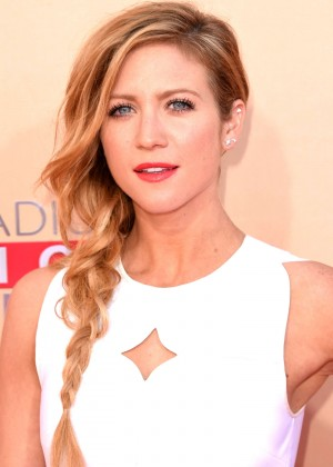 Brittany Snow : 2015 iHeartRadio Music Awards -01