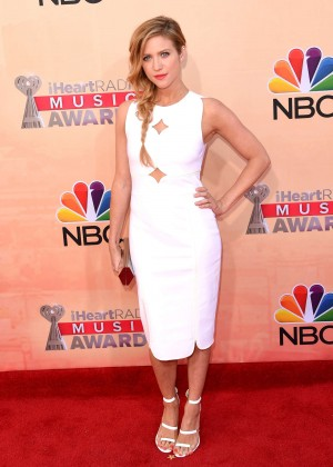 Brittany Snow : 2015 iHeartRadio Music Awards -03
