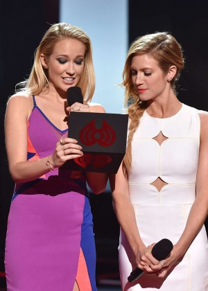 Brittany Snow : 2015 iHeartRadio Music Awards -09