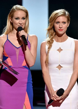 Brittany Snow : 2015 iHeartRadio Music Awards -10