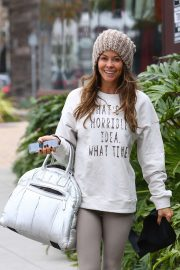 Brooke Burke - Arriving for a Sunday morning workout in Malibu