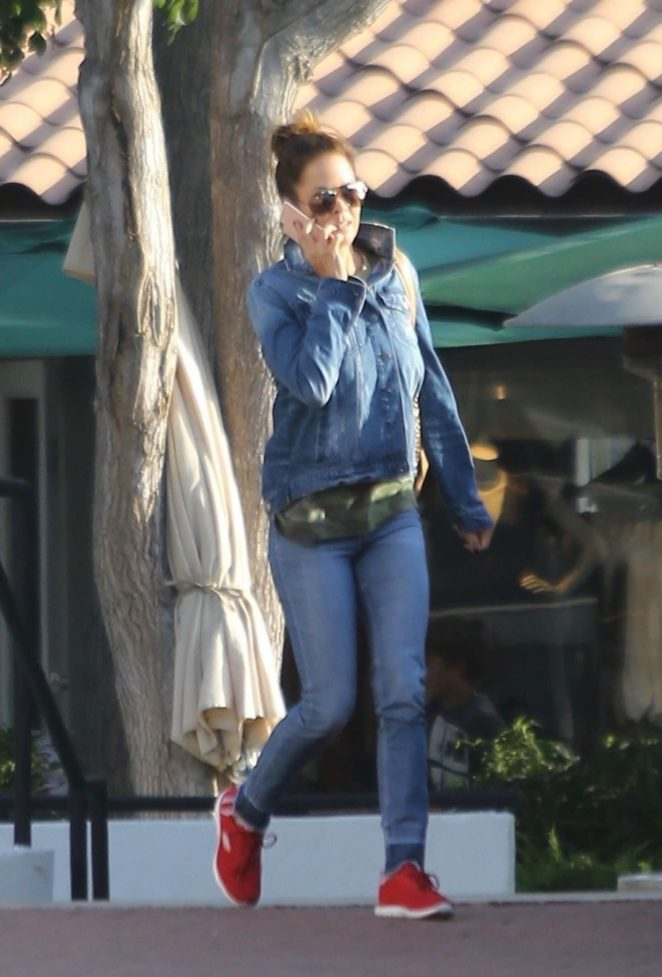 Brooke Burke at Malibu Country Mart in Malibu