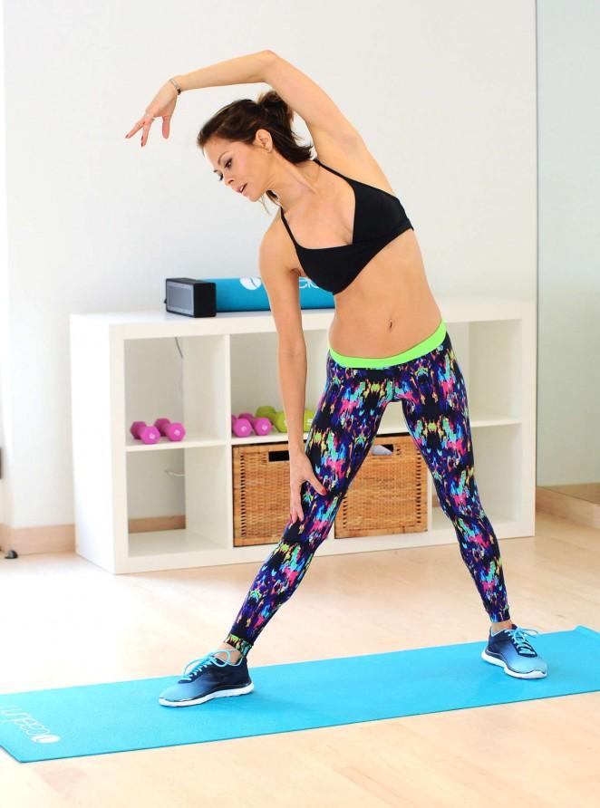 Brooke Burke: Doing Yoga -06
