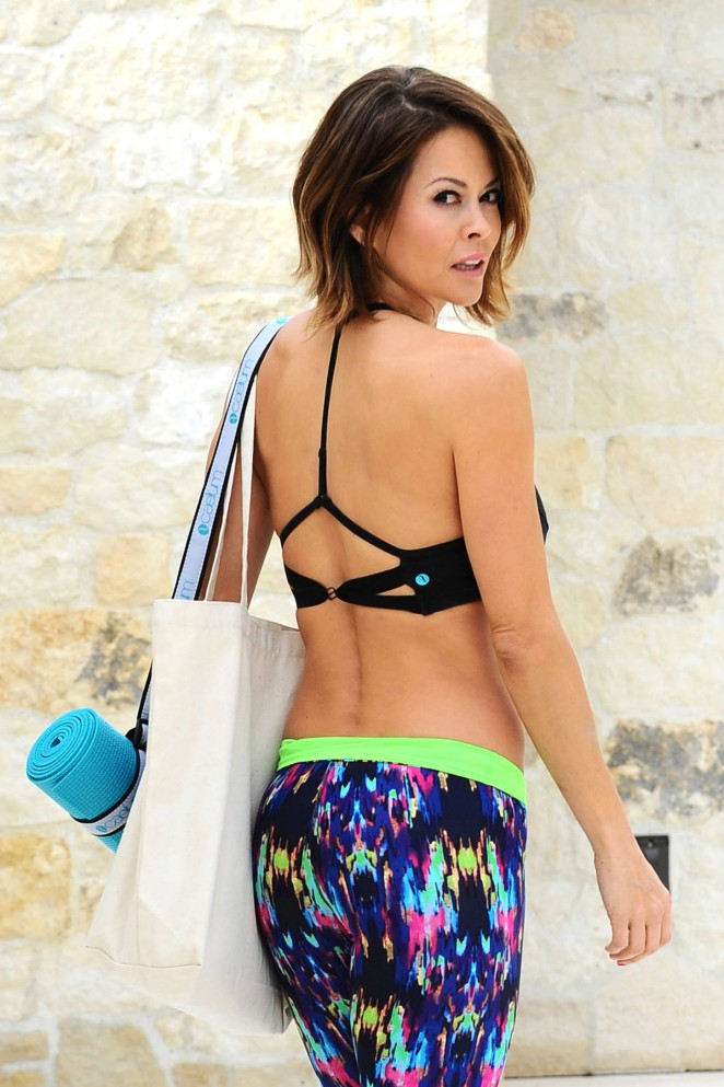 Brooke Burke: Doing Yoga -14