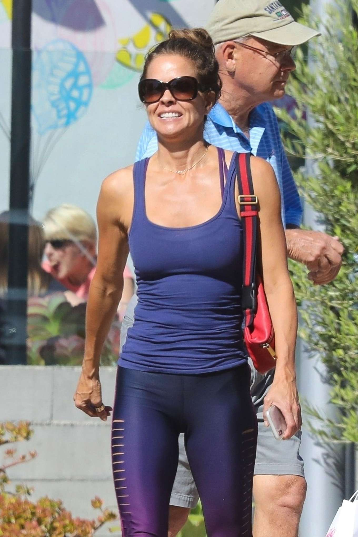 Brooke Burke - In tights hits the Country Mart for lunch in Malibu