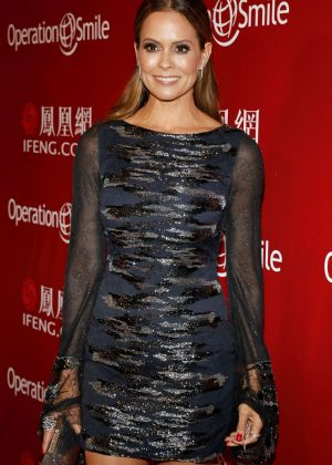 Brooke Burke - Operation Smile Host Annual Smile Gala 2016 in Beverly Hills