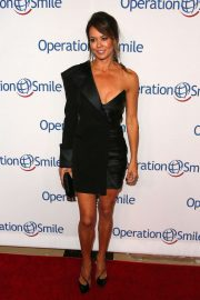 Brooke Burke - Operation Smile's Hollywood Fight Night in Beverly Hills