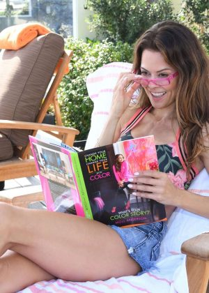 Brooke Burke - Reading and Getting her Hair Done in Malibu