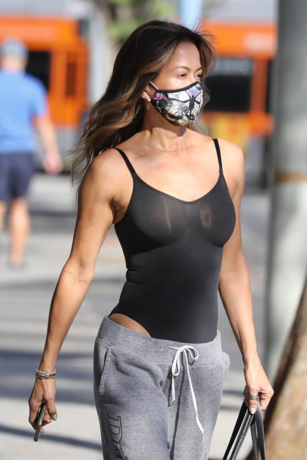 Brooke Burke - Seen outside a gym in West Hollywood