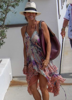 Brooke Burke - Shopping at The Malibu Colony Company in Malibu