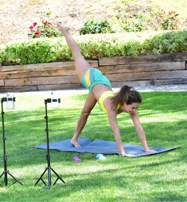Brooke Burke - Workout