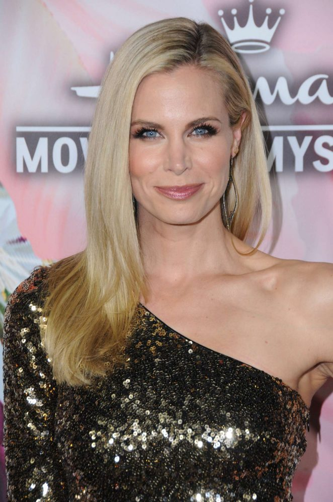 Brooke Burns – 2018 Hallmark Channel All-Star Party at TCA Winter Press Tour in LA