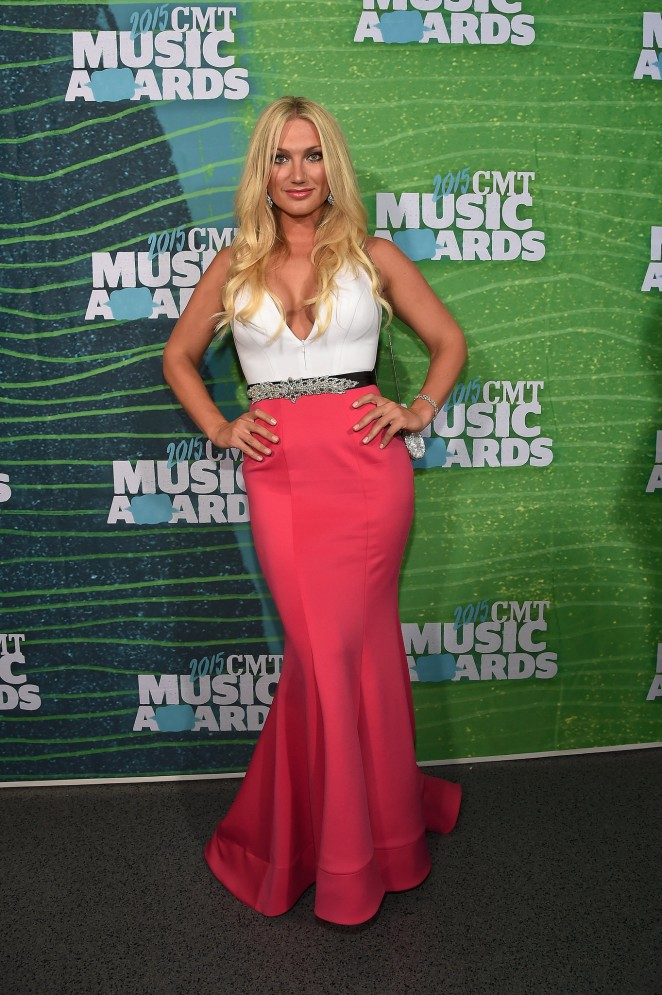 Brooke Hogan: 2015 CMT Music Awards -03