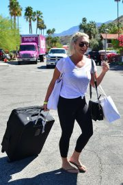 Brooke Hogan - Leaving Karokia Penisone Hotel in Palm Springs