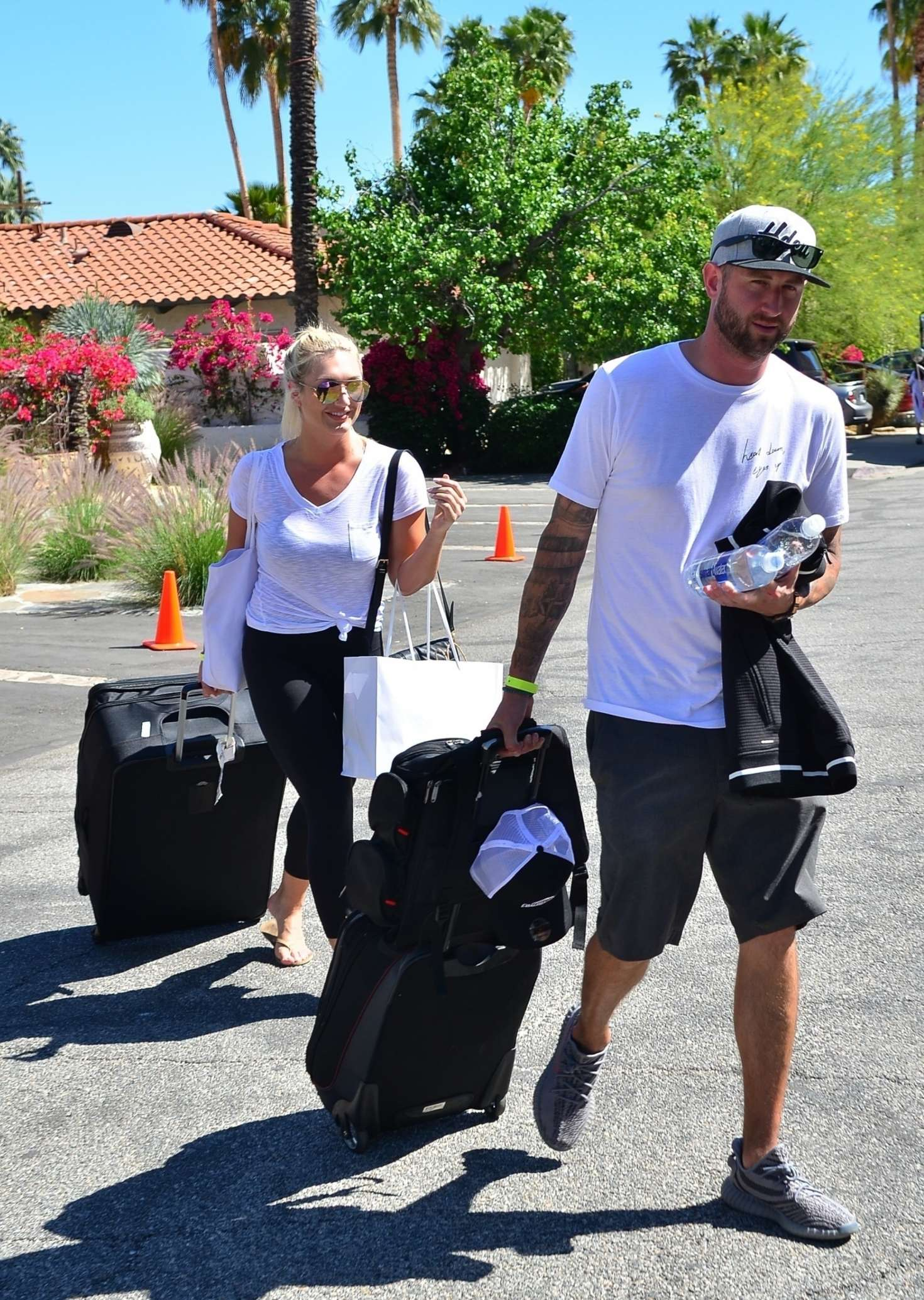 Brooke Hogan 2019 : Brooke Hogan: Leaving Karokia Penisone Hotel -04