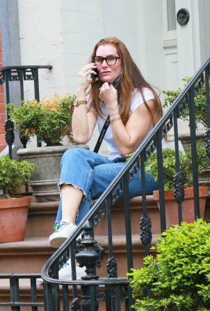 Brooke Shields - Chatting on her phone in NYC