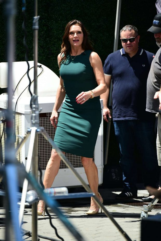 Brooke Shields: On EXTRA at Universal City -02