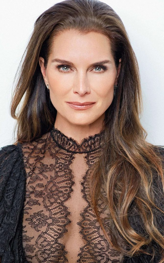 Brooke Shields – Stella Magazine (January 2019)
