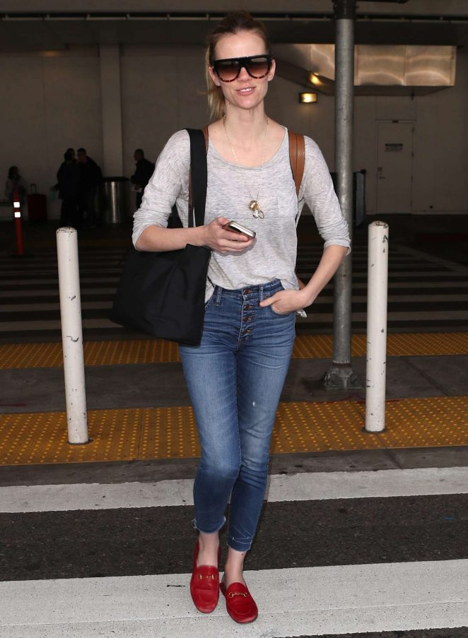 Brooklyn Decker in Jeans at LAX airport in Los Angeles