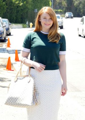Bryce Dallas Howard - Arriving to The in Style Gifting Suite in Brentwood