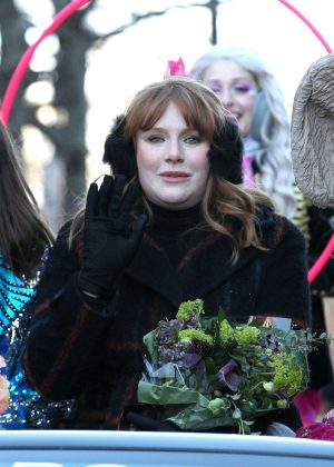Bryce Dallas Howard - Harvard's Hasty Pudding Woman of the Year Parade in Cambridge