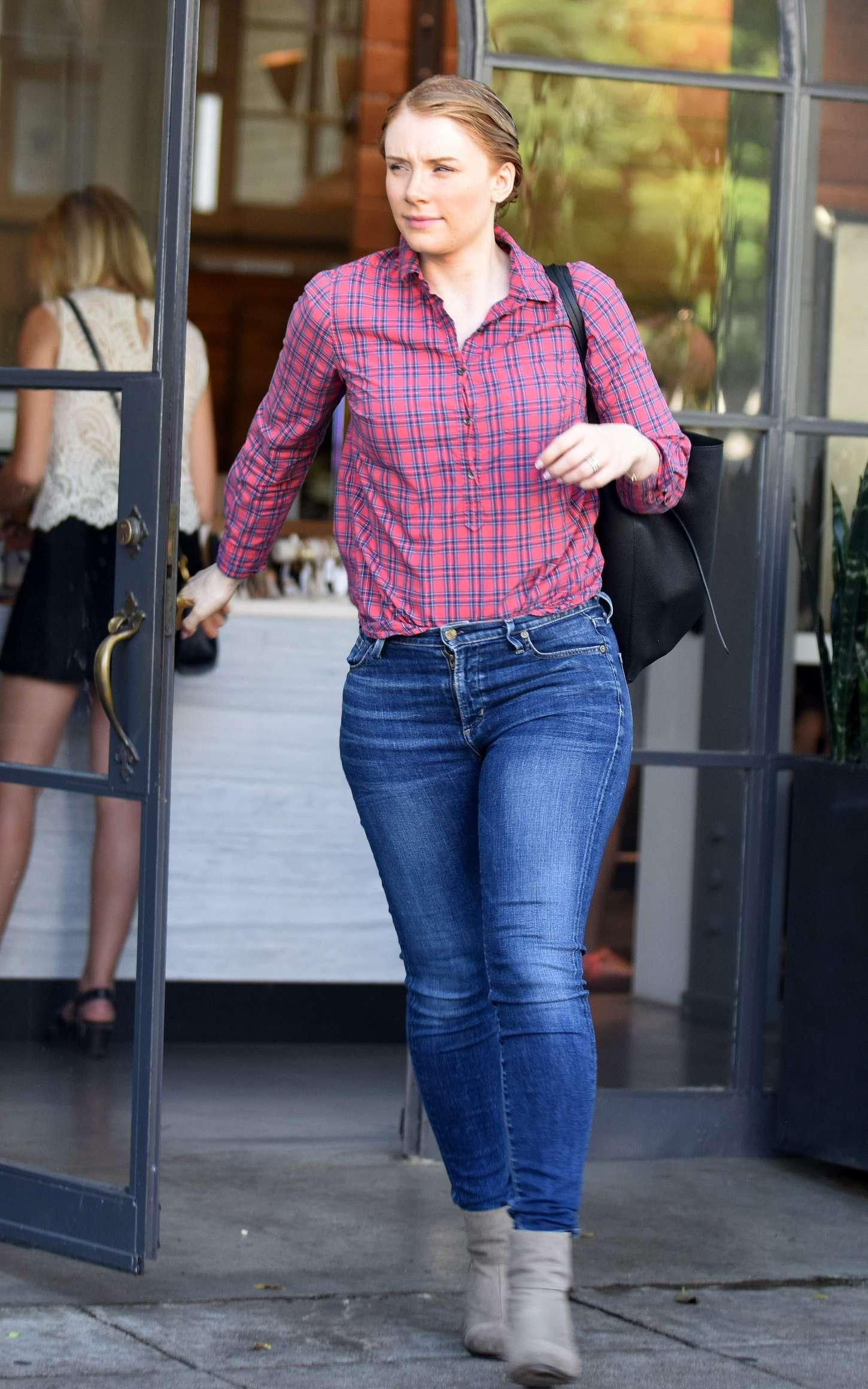 Bryce Dallas Howard In Jeans 16 Gotceleb