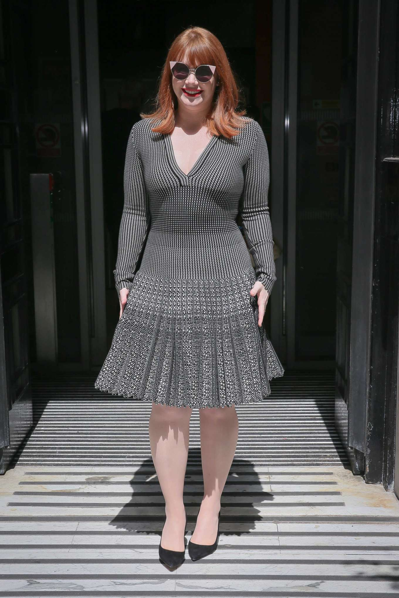 Bryce Dallas Howard 2019 : Bryce Dallas Howard: Out and about in London-01