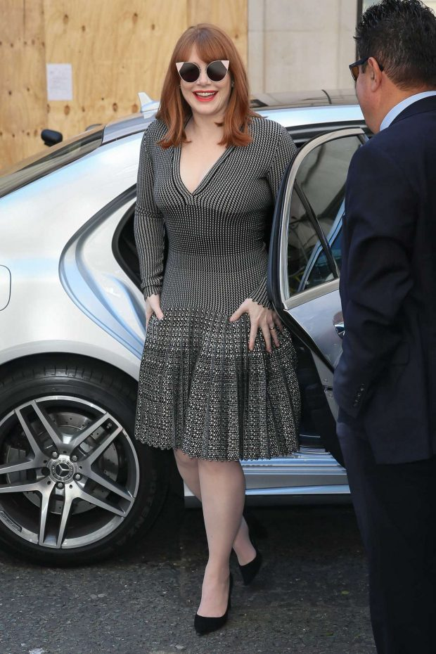 Bryce Dallas Howard 2019 : Bryce Dallas Howard: Out and about in London-02