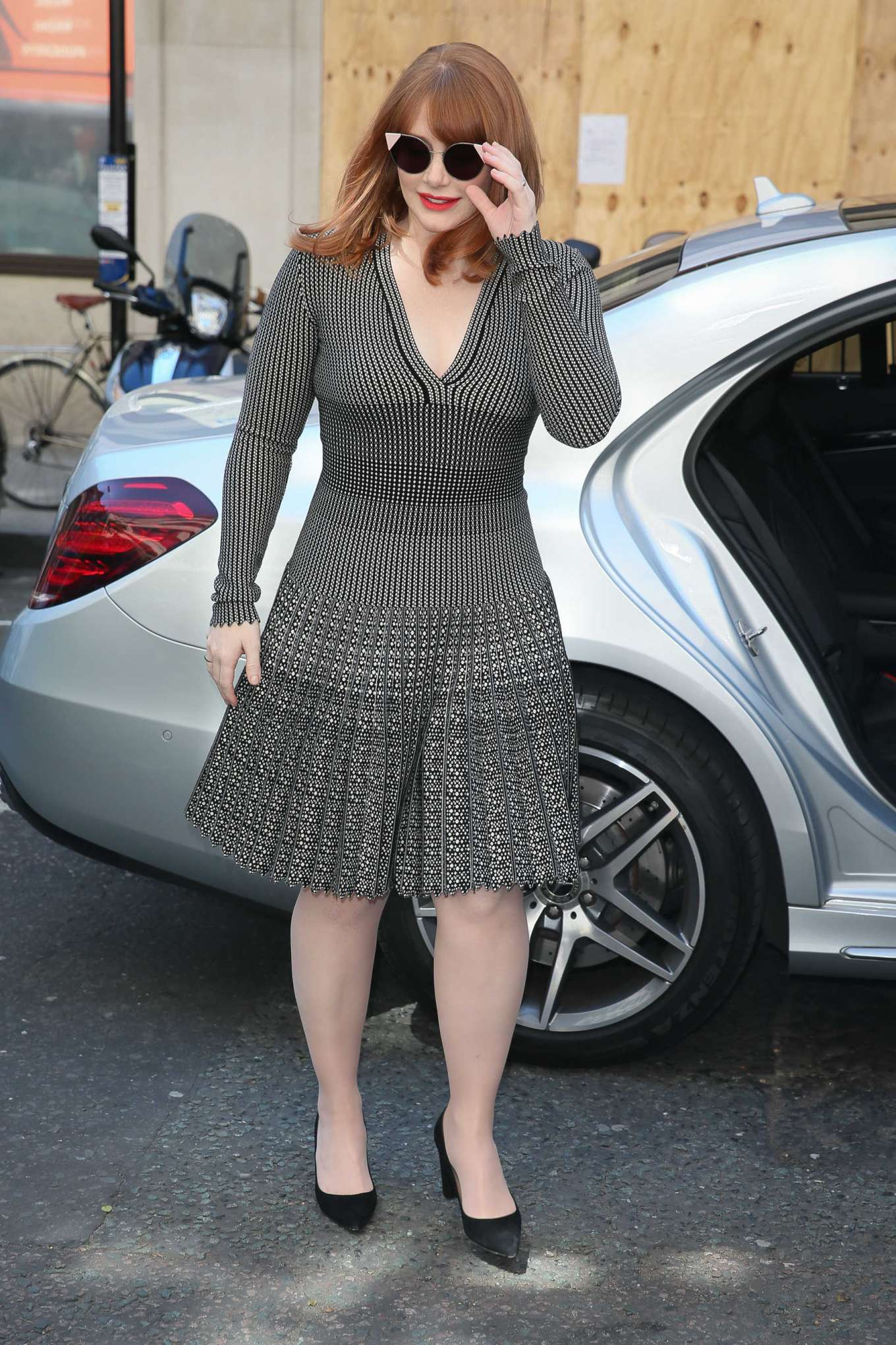 Bryce Dallas Howard 2019 : Bryce Dallas Howard: Out and about in London-04