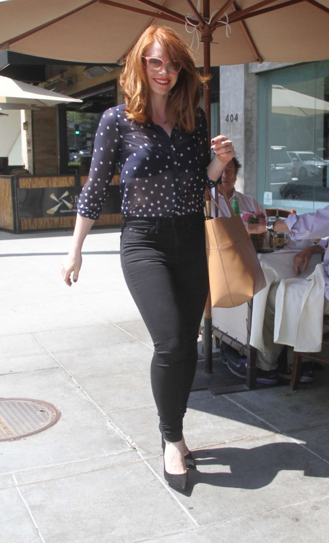 Bryce Dallas Howard - Shopping in Beverly Hills