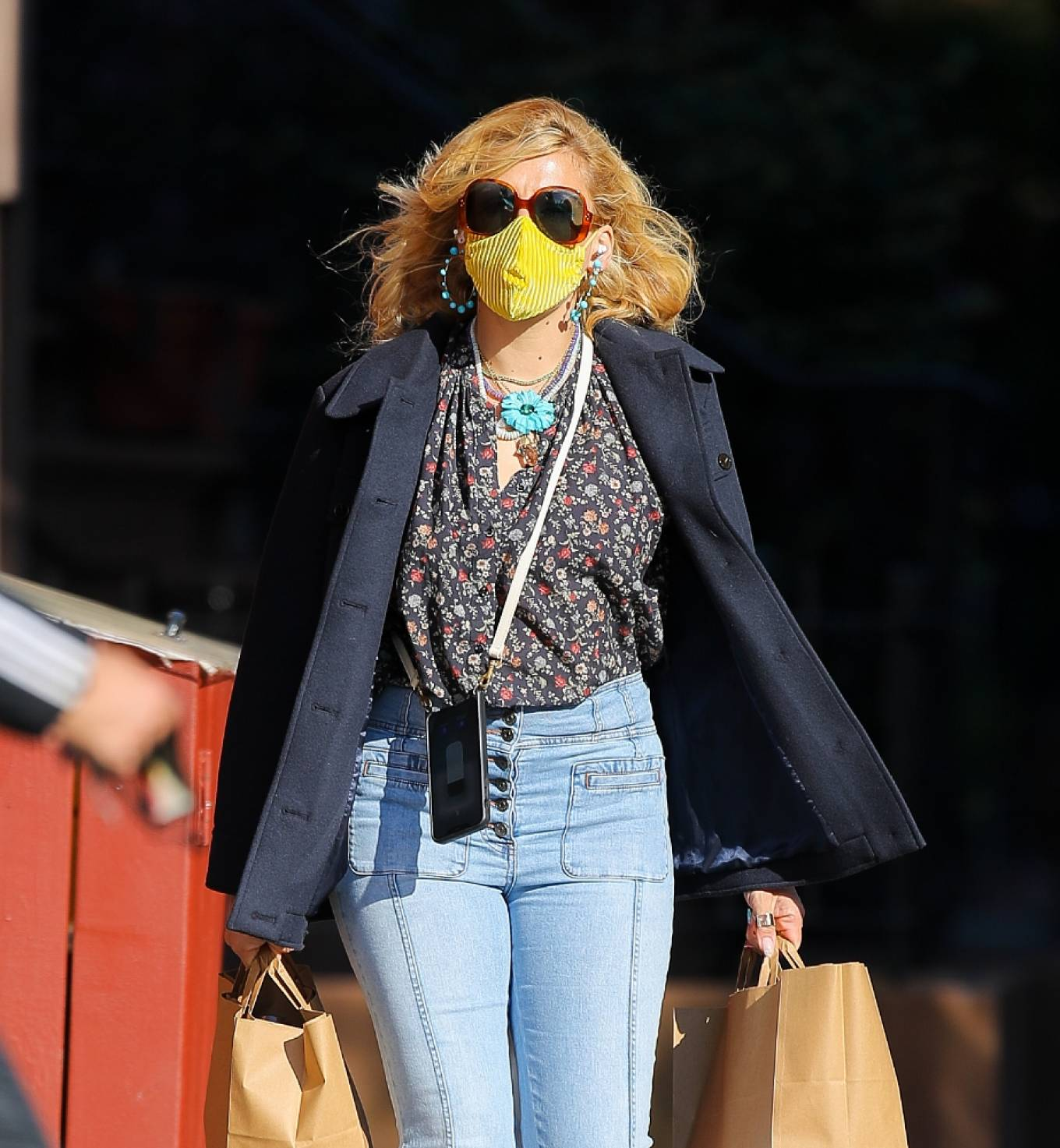 Busy Philipps 2021 : Busy Philipps – In denim shopping for groceries in New York-06