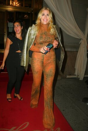 Busy Philipps - Leaves the Christian Siriano fashion show during New York Fashion Week