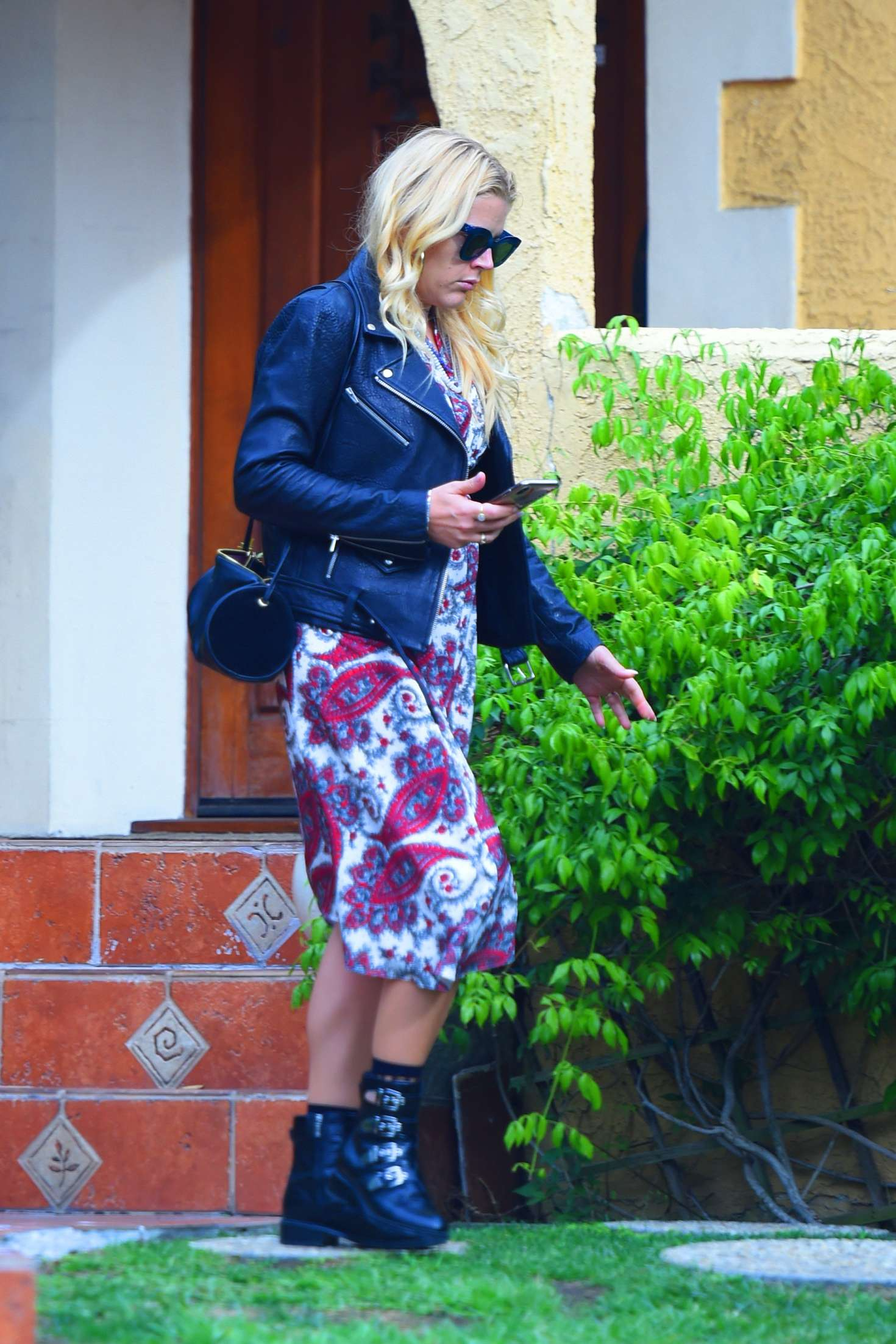 Busy Philipps 2018 : Busy Philipps: Leaving a friends house in Los Angeles -04