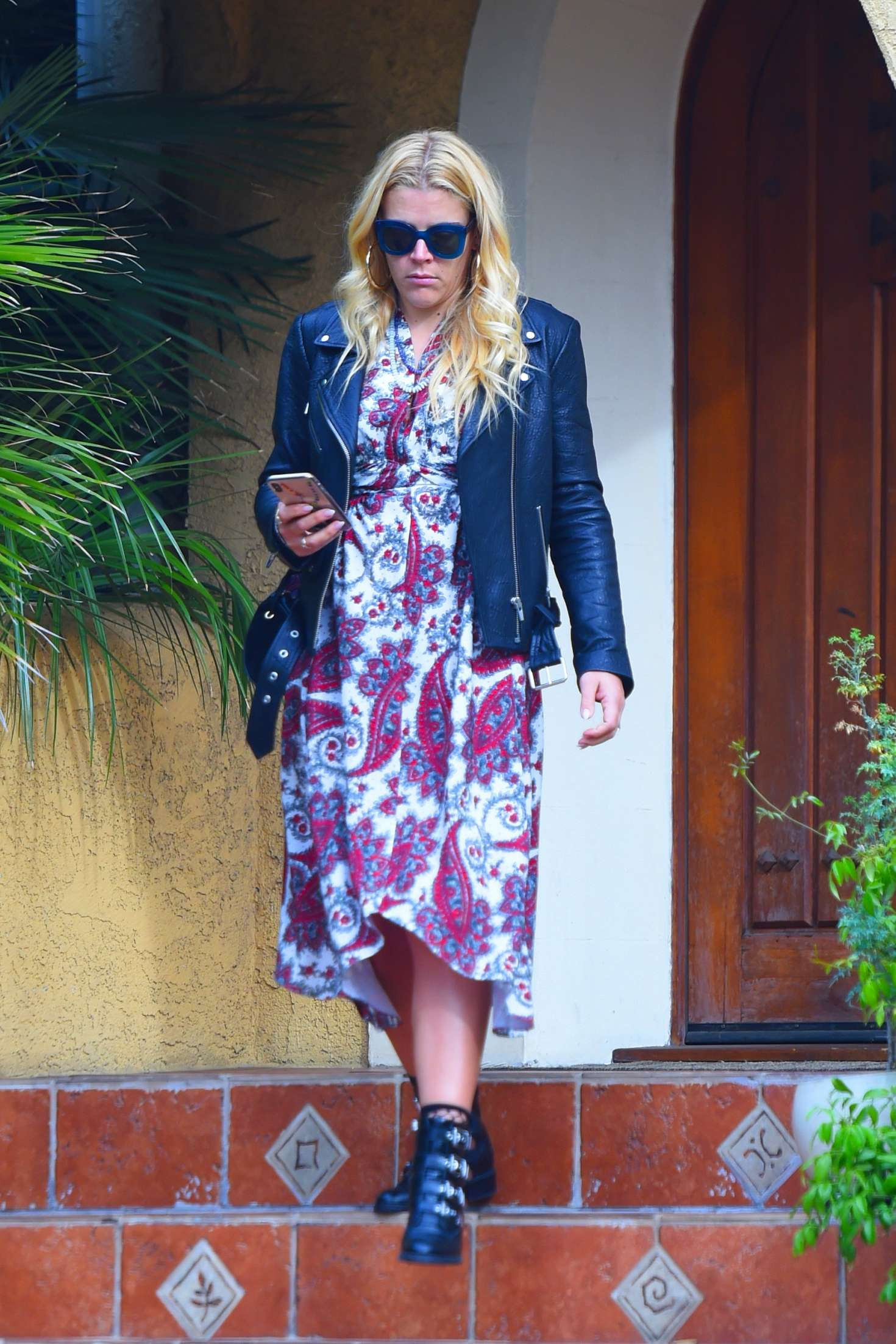 Busy Philipps 2018 : Busy Philipps: Leaving a friends house in Los Angeles -10