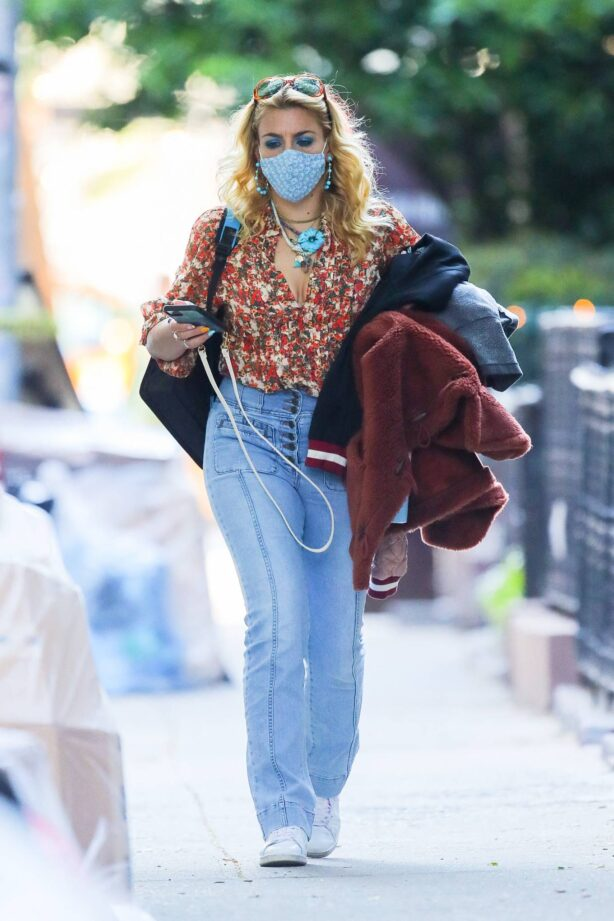 Busy Philipps - Out in New York