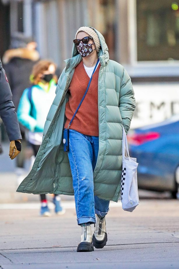 Busy Philipps - Seen in a cold day in New York City