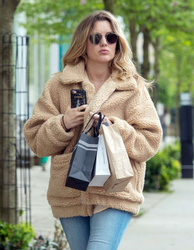 Caggie Dunlop - Out and about in London