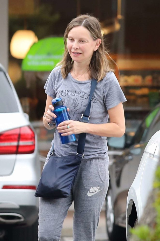 Calista Flockhart - Leaving SoulCycle in Brentwood