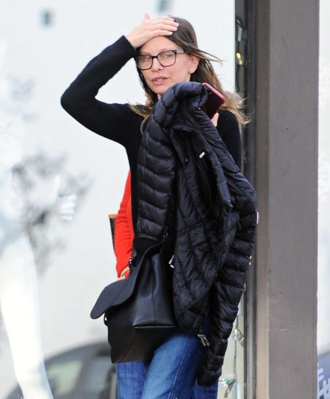 Calista Flockhart - Shopping in Los Angeles